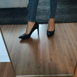 Cole Haan Soft leather pumps